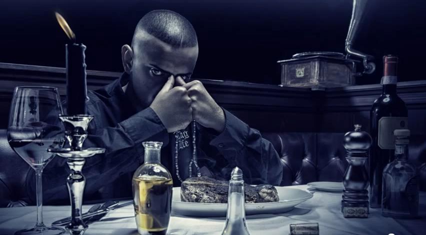 """Haftbefehl veröffentlicht einen Freetrack """"Hauptstadt des Verbrechens"""" und gibt das Release-Date für """"Blockplatin"""" (Album) bekannt"""