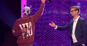 """Cro – """"Einmal um die Welt""""- Das Erste Bambi-Verleihung (Live-Video)"""