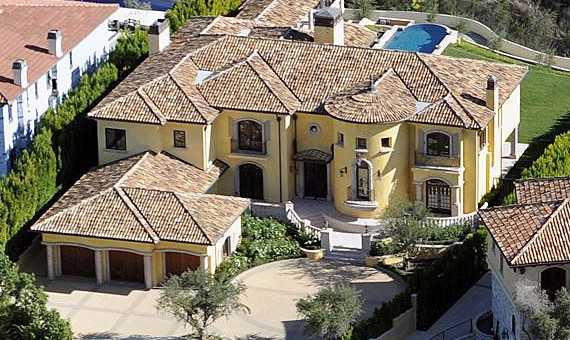 Kanye West und Kim Kardashian kaufen eine Villa für 11 Mio. Dollar (News)