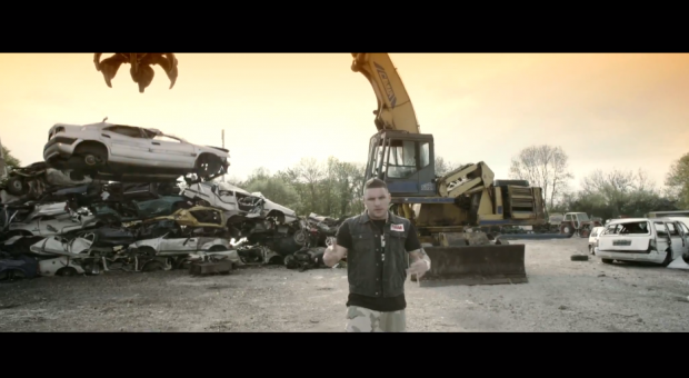 Fler - 'Chrome' | Offizielles Video & Making Of